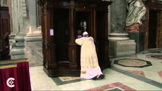 The Pope goes to Confession in Public
