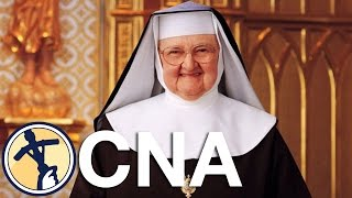 The Eucharist (short) - Mother Angelica